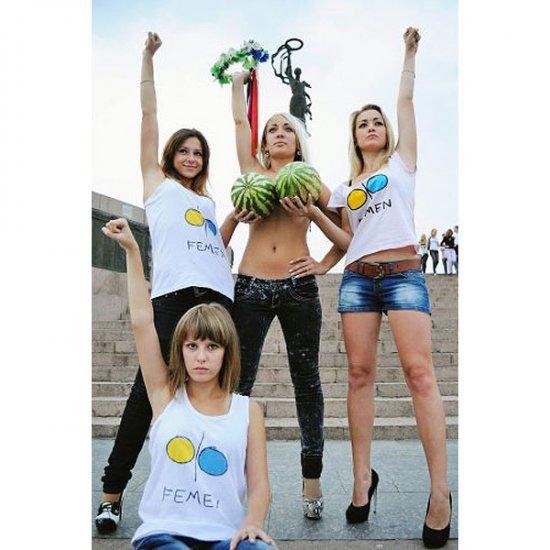 Записки реаниматолога - Активисток FEMEN избили, остригли и ...
