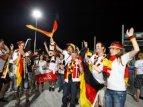 Німецькі вболівальники святкують вихід збірної в плей-офф Євро-2012_7
