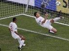Террі вибиває мяч після голу Девіча