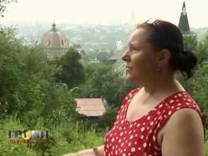 """""""Донецький"""" насильно відбирає у людей дорогу землю на Печерську (відео)"""