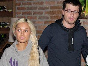 "Екс-дружина Харламова влаштувалася на роботу, а Асмус назвала ""самкою"""