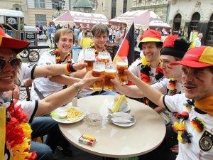 Немецкие болельщики во Львове