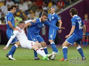 [фото] Италия по пенальти вышла в 1/2 финала Евро-2012