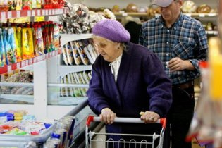 Паніка в Росії: з магазинів зникають продукти харчування