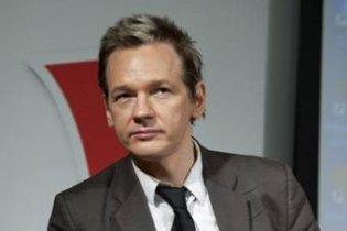 Интерпол объявил в розыск основателя WikiLeaks