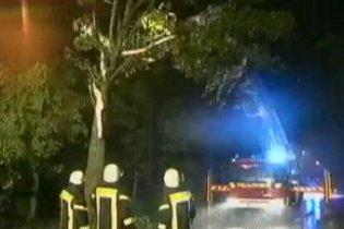 На західні райони Німеччини обрушився ураган