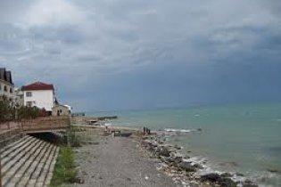 В Крыму на пляже двое россиян погибли под обвалом