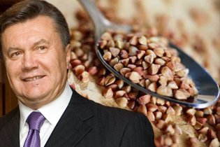 Янукович доручив знизити ціни на гречку