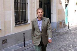 Винуватець політичного скандалу навколо L'Oreal позбувся всіх контрактів компанії
