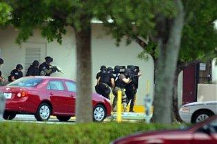Во Флориде во время ограбления Bank of America захватили заложников