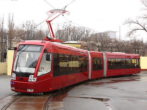 Кроме киевских трамвайных вагонов на