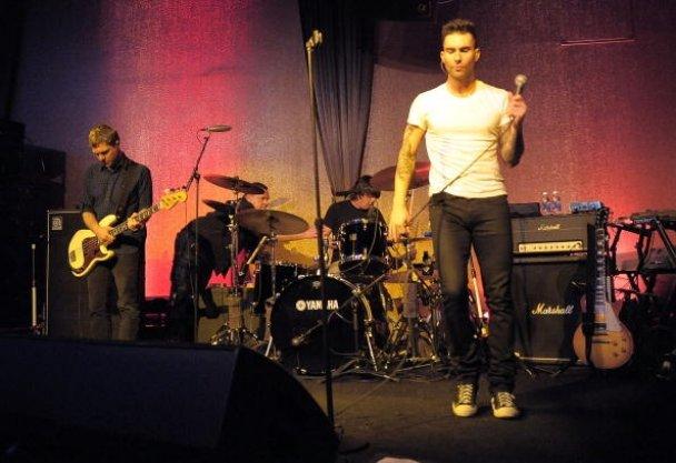 Maroon 5, Адам Левайн_7