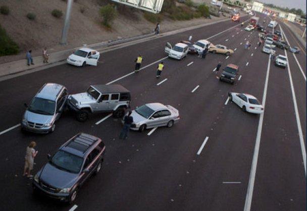 В США сталося масштабне ДТП: зіткнулися 69 автівок