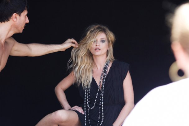 Кейт Мосс роздягнулася для нової рекламної кампанії