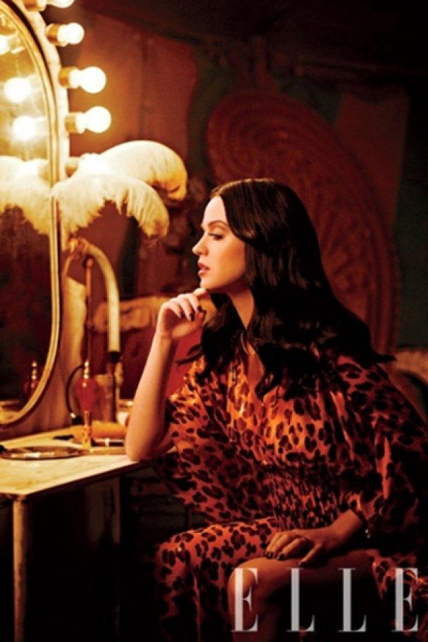 Кеті Перрі в образі циркачки в новому Elle US_7