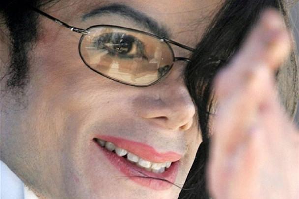 Джексон після смерті заробив мільярд доларів
