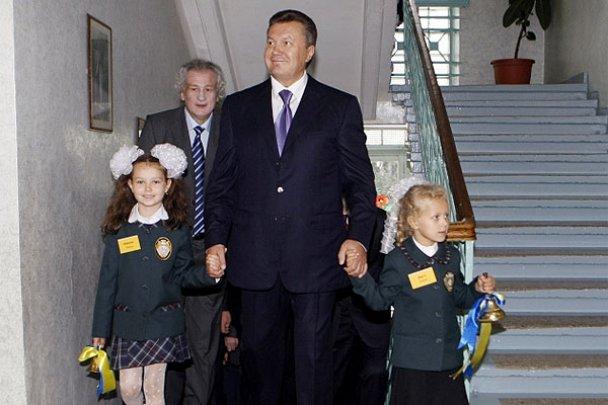Віктор Янукович у школі 1 вересня_1