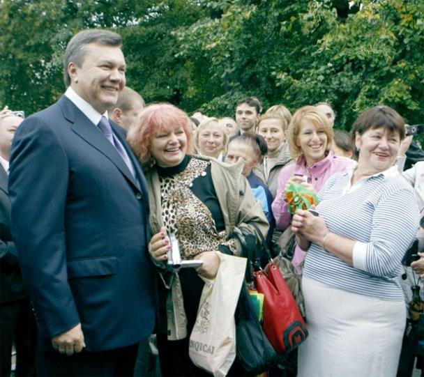 Віктор Янукович у школі 1 вересня_13