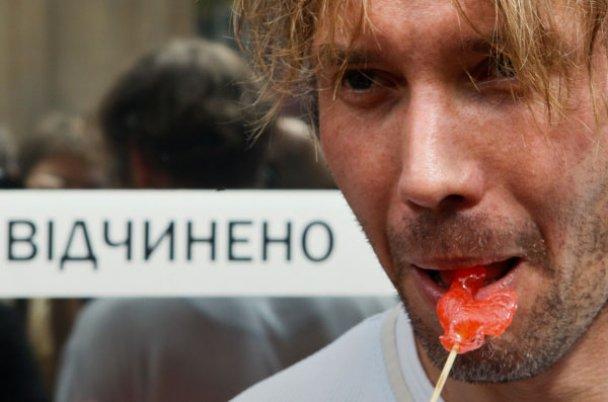 У Києві відкрили пам'ятник Льодянику на паличці