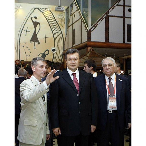 Янукович завершив державний візит до Китаю_5