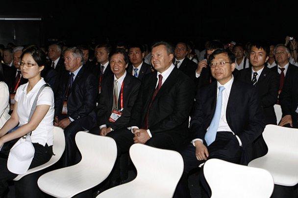 Янукович завершив державний візит до Китаю_9