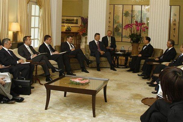 Янукович завершив державний візит до Китаю_16