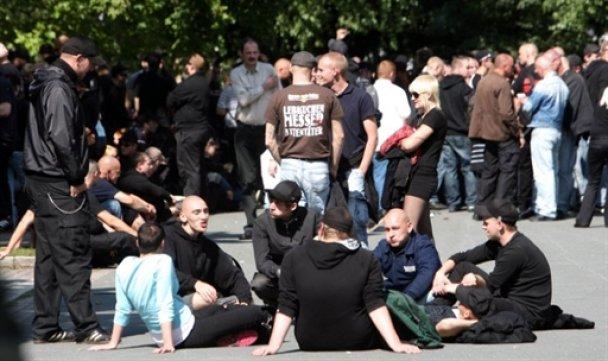 Анархисты в Германии подрались с полицейскими
