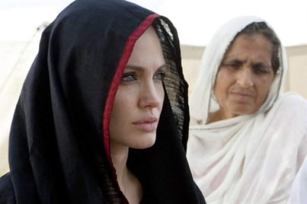 Анджеліна Джолі в Пакистані_2