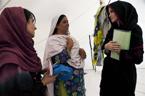 Анджеліна Джолі у Пакистані_7