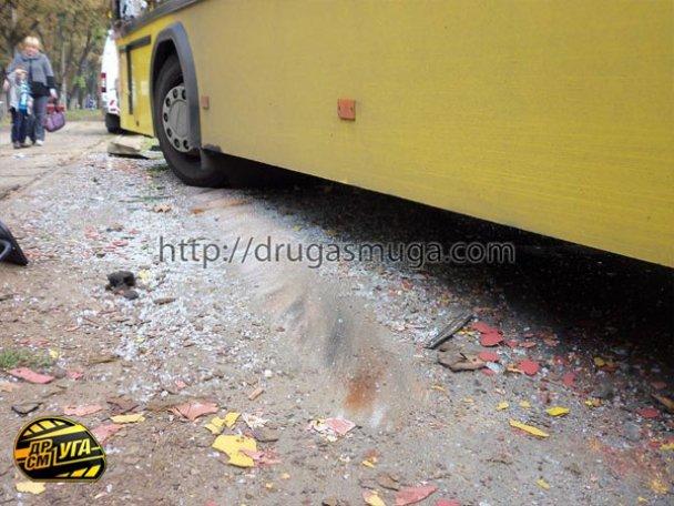 ДТП: у Києві зіткнулися автобус і трамвай_7