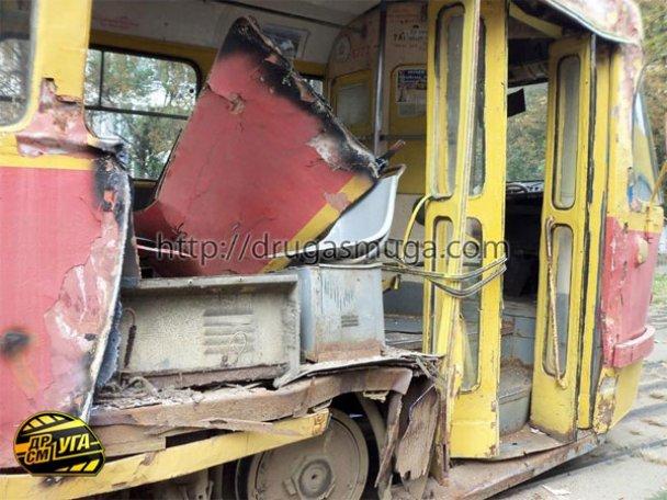 ДТП: у Києві зіткнулися автобус і трамвай_9