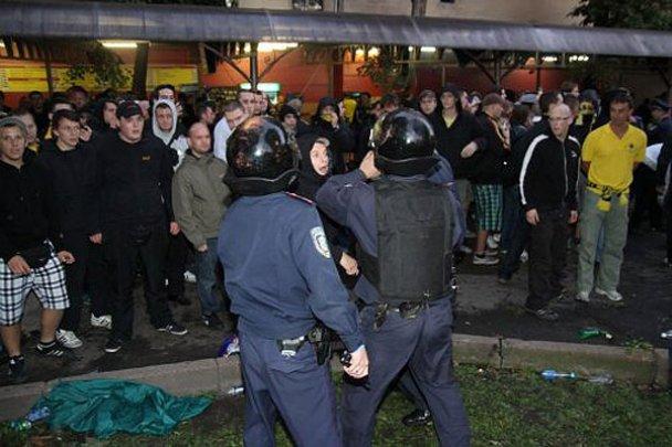 Сутичка між фанатами Карпат і Боруссії у Львові_4