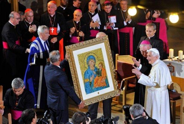 Во время визита Папы Римского в Британии планировался теракт