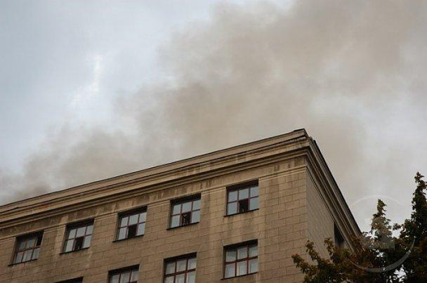 Пожежу в університеті Каразіна локалізували_6