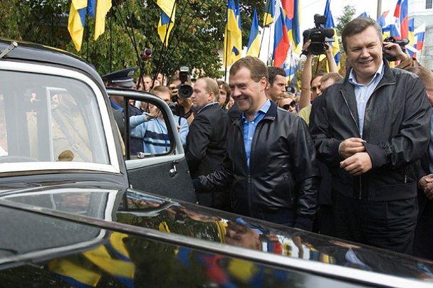 Янукович і Мєдвєдєв у Міжнародному автопробігу_7