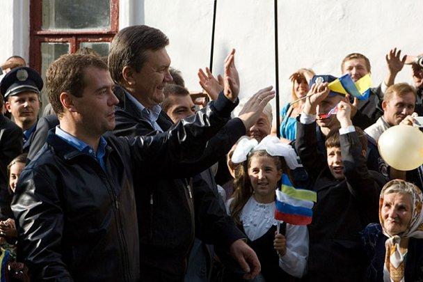 Янукович і Мєдвєдєв у Міжнародному автопробігу_8
