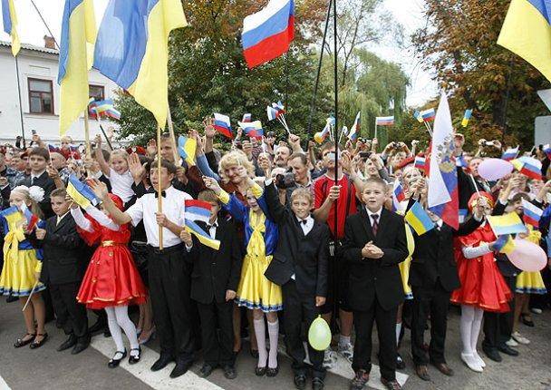 Янукович і Мєдвєдєв у Міжнародному автопробігу_10