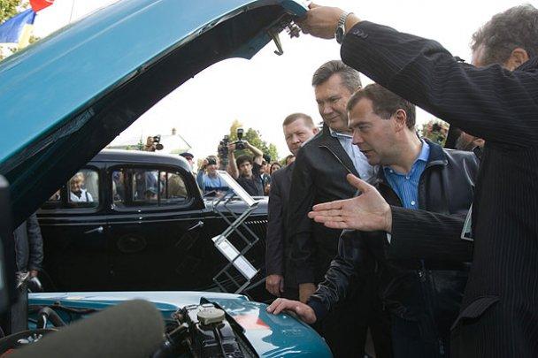 Янукович і Мєдвєдєв у Міжнародному автопробігу_12