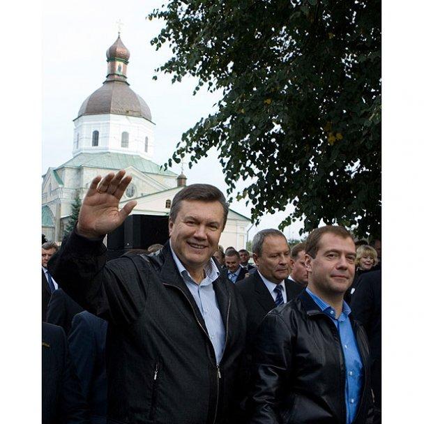 Янукович і Мєдвєдєв у Міжнародному автопробігу_19