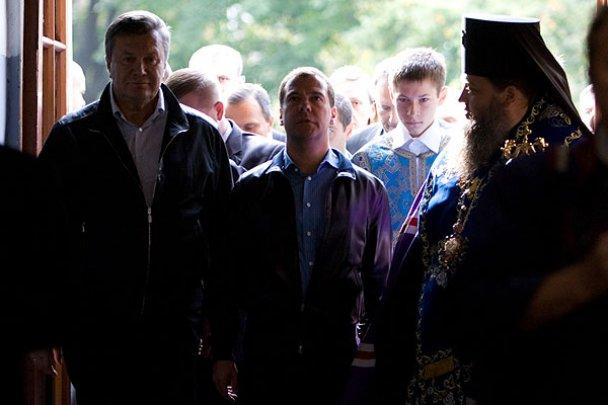Янукович і Мєдвєдєв у Міжнародному автопробігу_23