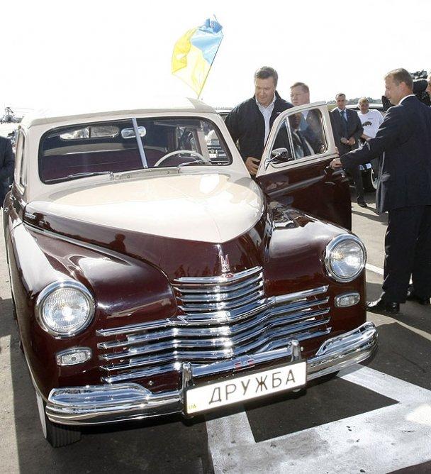 Янукович і Мєдвєдєв у Міжнародному автопробігу_27