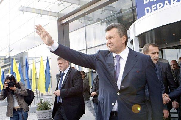 """Янукович відкрив новий термінал у """"Борисполі""""_6"""