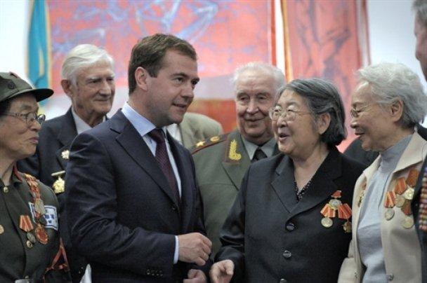 Дмитро Мєдвєдєв в Китаї_10