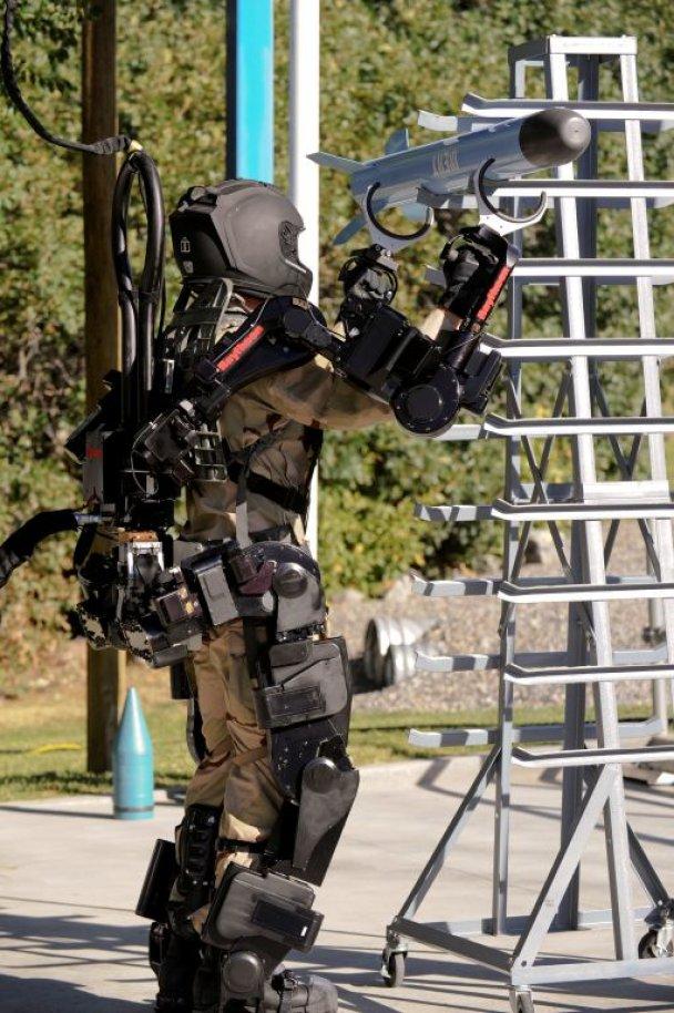 Залізний костюм американських військових_5