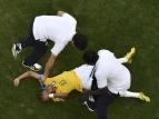 Неймар травмировался в матче с Чили и рискует пропустить битву за полуфинал