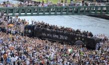Чемпионы вернулись: сборную Германии ярко встретили в Берлине