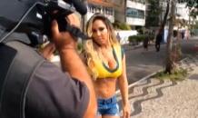 Бразильская секс-бомба пыталась прорваться в лагерь сборной Англии