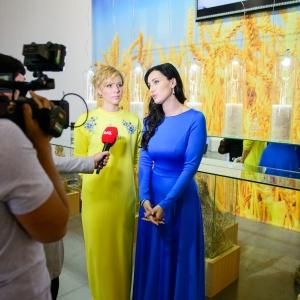 Соломія Вітвіцька і Марина Леончук презентували патріотичну колекцію прикрас