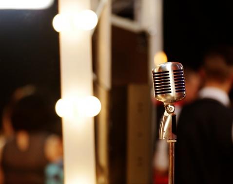Голос країни мікрофон бекстейдж