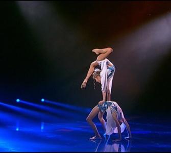 Команда Фреймут. Танцюристи: Єва Усова та Анастасія Бєлоус. Другий раунд